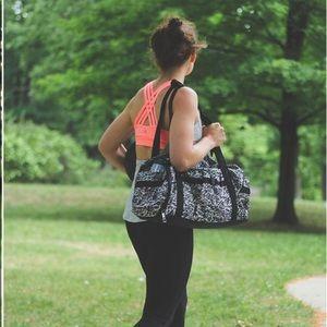 Lululemon Run Ways Duffle Bag